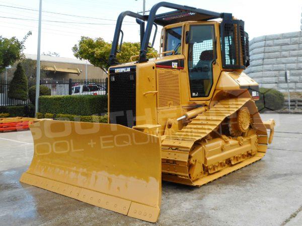 Heavy Duty Caterpillar D5N Bulldozer Screens & Sweeps Guarding